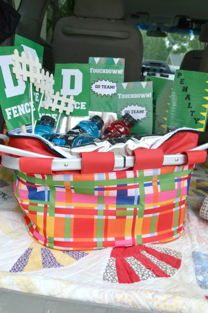 Try these easy football party ideas for your next game day! You'll love the crafts and snack food that will help you cheer on your favorite team!