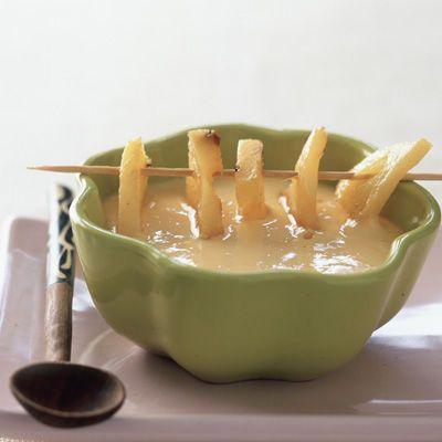 Découvrez la recette Soupe de mangue sur cuisineactuelle.fr.