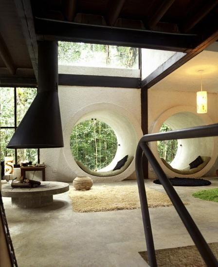 Jungle/Beach House São Sebastião, Brazil (want that space as my reading area)