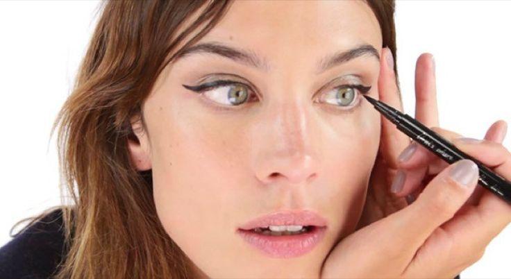 amatoodiato  cliomakeup-come applicare-eyeliner-1-alexa-chung