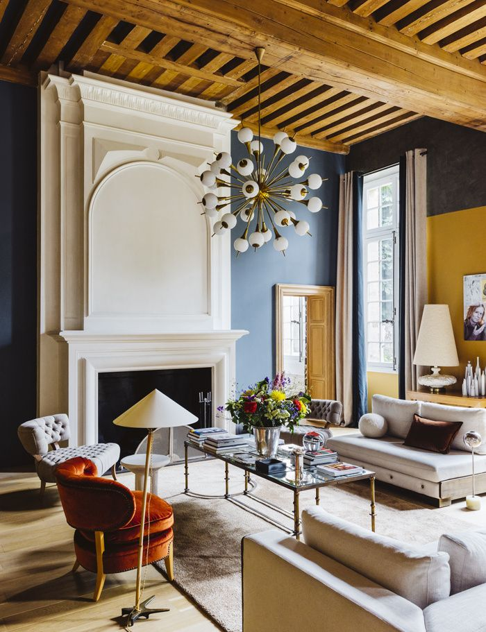 Elegant living room with mix of modern and antique furniture on Thou Swell @thouswellblog
