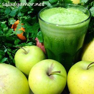 Este jugo te sorprenderá por su agradable sabor, las manzanas le dan un toque de dulzura mientras que el limón con piel le da un toque de frescura que te sorprenderá!  gracias a la clorofila del perejil, este jugo oxigena y alcaliniza el organismo, el limón protege de enfermedades y fortalece el sistema inmune y el jengibre te dará la chispa y las alas para arrancar el día con  la energía al máximo! este jugo es ideal como desayuno