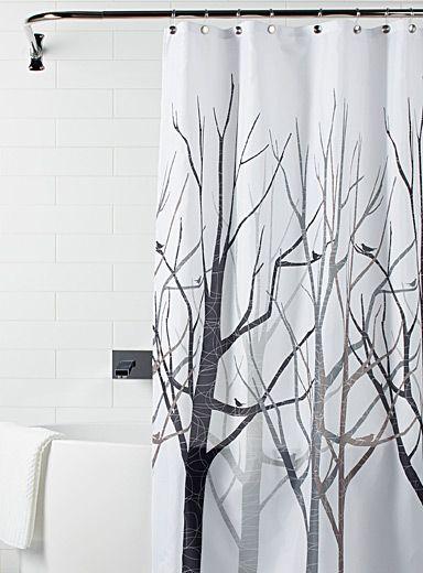 Un motif naturaliste actuel avec ses arbres dépouillés aux lignes modernes et ses silhouettes d'oiseaux perchés.   - Tissu 100% polyester  - Oeillets renforcés  - 183x183 cm