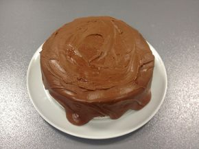 Veldig god sjokoladekake Enkel sjokoladekake Saftig sjokoladekake Verdens beste sjokoladekake God sjokoladekake Mektig sjokoladekake
