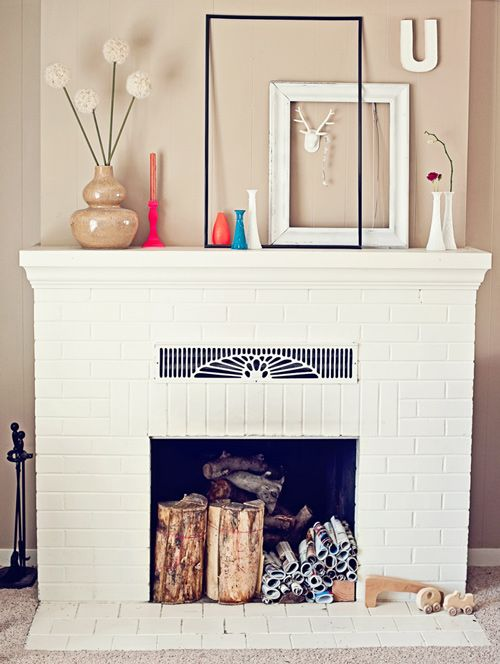simple fireplace: Decor, Fireplaces Mantles, Houses, Living Rooms, Fireplaces Mantels, Empty Frames, White Fireplace, Frames Wall, Fake Fireplaces