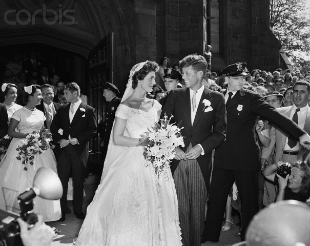 13 Sep 1953, Newport, Rhode Island, USA, Senator John F. Kennedy and his bride, the former Jacqueline Lee Bouvier, leave a Newport, Rhode Island, church following their wedding ceremony.