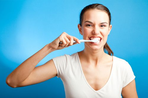 Tips to How Whiten Teeth With Baking Soda