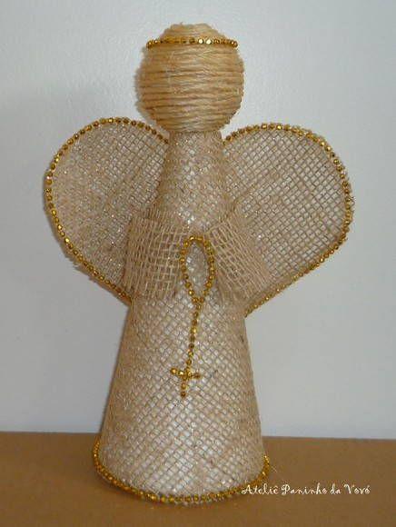 Anjo de Juta Dourado  Fazemos em outras cores (prato, vermelho, perola...) Feito a Mão  Frete por conta do comprador