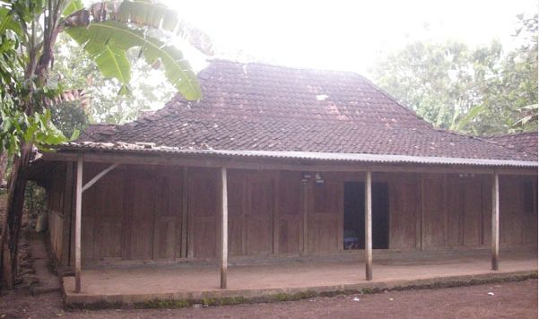 Rumah Limasan, rumah tradisional Jawa Tengah.