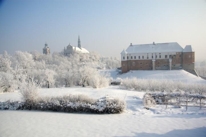 Kościół św. Jakuba i widoki - zima 2010 - Dominikanie Sandomierz - Picasa Web Albums