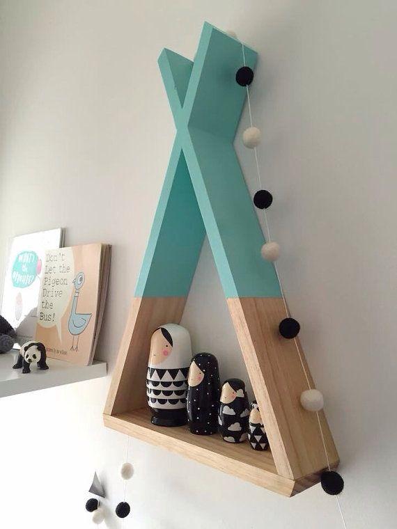 Teepee Shelf Mint Shelves Woodland Nursery Decor Tribal Nursery Decor Kid's Room Decor Etagere tipi pour chambre d' enfant vert menthe et bois clair style scandinave bibliotheque: