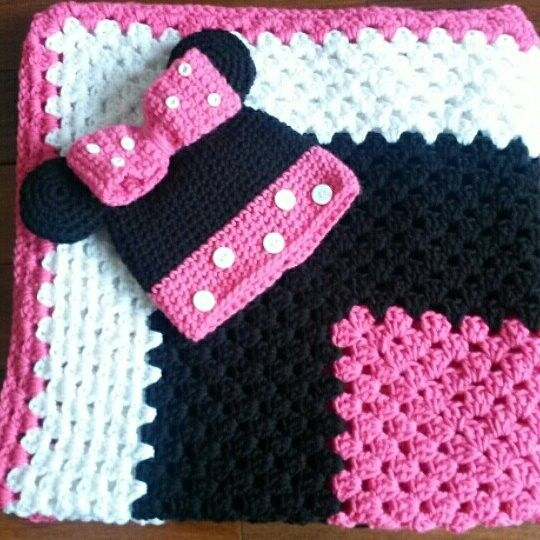 Custom crochet Minnie Mouse hat and blanket