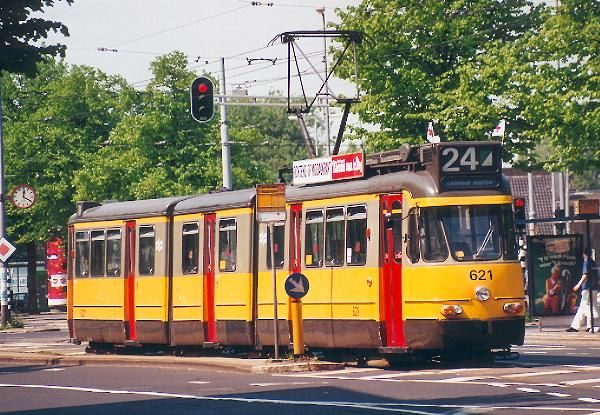 Trams   RET 702 in remotest Rotterdam at Marconiplein in July 1995. GVB 722 in ...