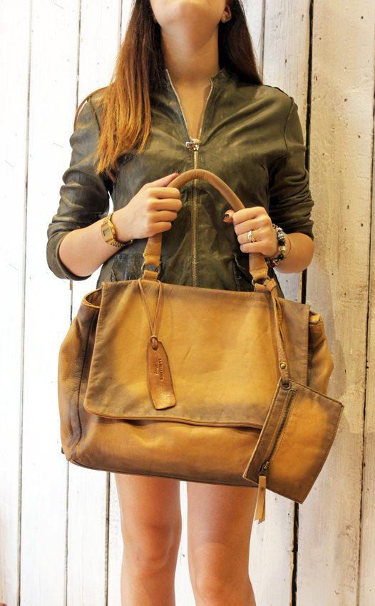 SAI BAG :Handmade Italian  Leather Messenger Bag di LaSellerieLimited su Etsy