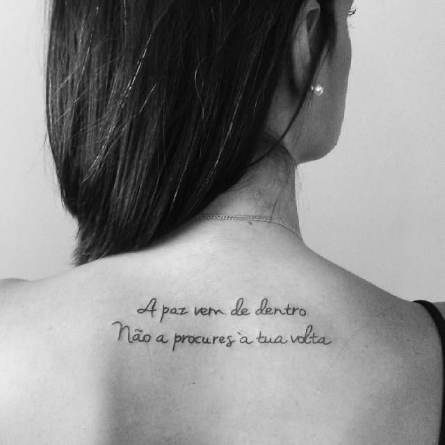 120 Tatuagens de Frases (as fotos mais lindas!) | Frases tatuagem, Frases para tatuagem feminina, Tatuagem