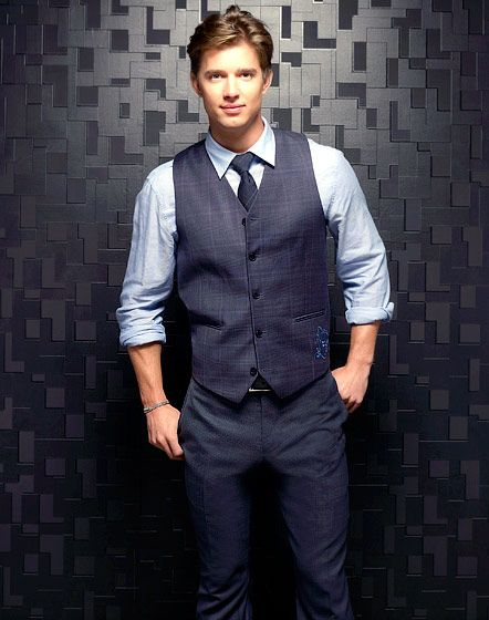 Jason DiLaurentis  Played By: Drew Van Acker