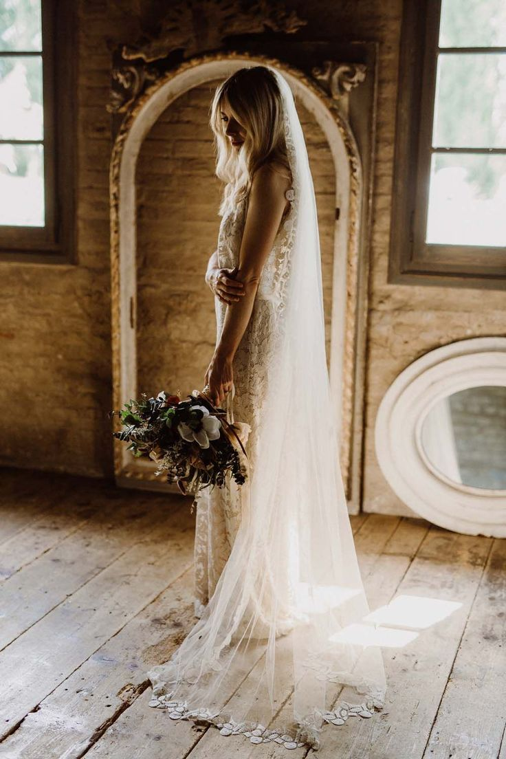 Rustic Wedding In Italy At Locanda Rosa Rosae With Intimate Candle Lit Dinner & Bride In Mango Dress With Veil By AM Faulkner With Images From Alen Karupovic #weddingphotography