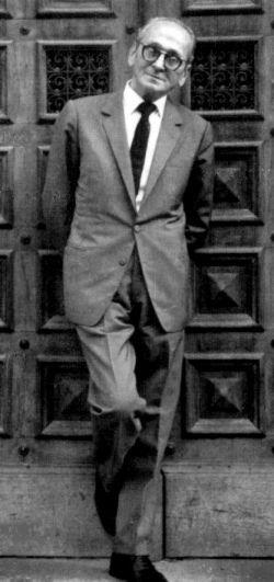 Osvaldo Pugliese es un compositor y pianista de tango argentino.