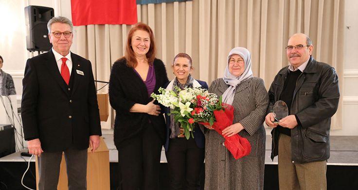 Yıldırım Bayezid Rotary Kulübü Meslek Hizmet Ödülü Sahibini Buldu   Weekly http://weekly.com.tr/yildirim-bayezid-rotary-kulubu-meslek-hizmet-odulu-sahibini-buldu/