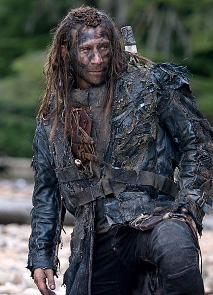 the 100 season 3 cast | Zach McGowan on 'The 100′ Season 3 and Roan's Big Fight With ...