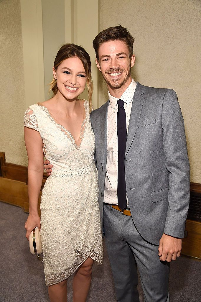 Melissa Benoist And Grant Gustin Backstage During The Cw Network S Grant Gustin Gustin Melissa Supergirl