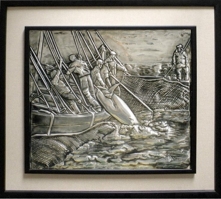 It is a little old picture about the tuna fishing activity, It is a very typical fishers practice of Atlantic south Spain. I made it twenty years ago and the measures are 30 x 35 cm. aprox. Embossed tin, of course.