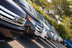 How To Use New-Car Incentives and Rebates