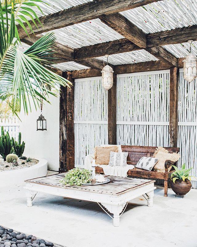 55 Front Verandah Ideas And Improvement Designs: 17 Best Ideas About Front Courtyard On Pinterest