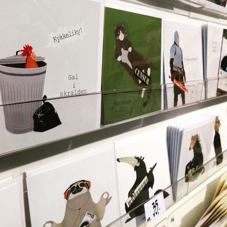 Stort udvalg af cool kort fra ThomasWoody art og Raunen hos Collage i Brandts Passage i Odense 😃👍🏻 #kort #card #plakater #posters www.KortOgPlakat.dk
