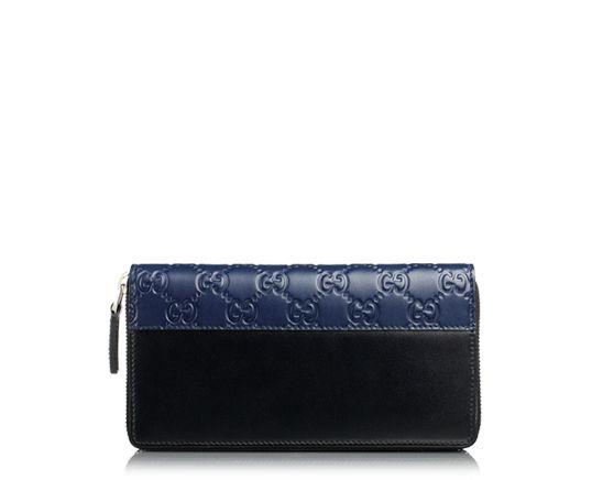 ハイブランドの革財布。グッチの黒とネイビーのレザーがかっこいい!