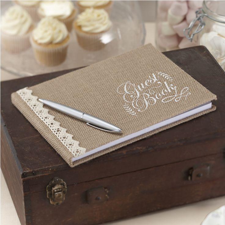 """Livre d'or, couverture entoile de jute, magnifique ouvrage avec dentelle et impression à chaud avec les mots """"Guest Book"""" à l'encre blanche."""