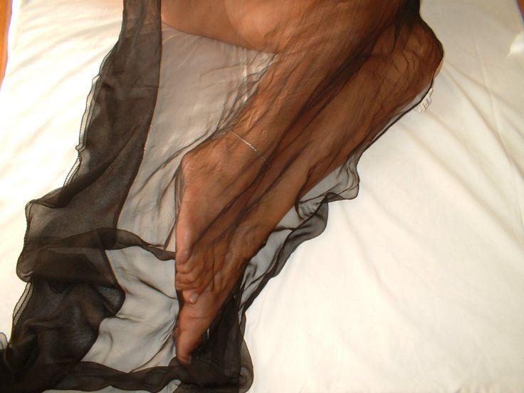 http://ipiedipiubellidelmondo.com/i-piedi-di-crisaly/ #piedivelati #piedismalto #cavigliera