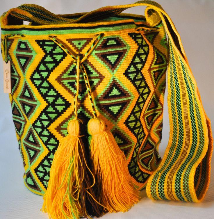 Mochilas Wayuu Original. They are one of a kind by WayuuOriginal