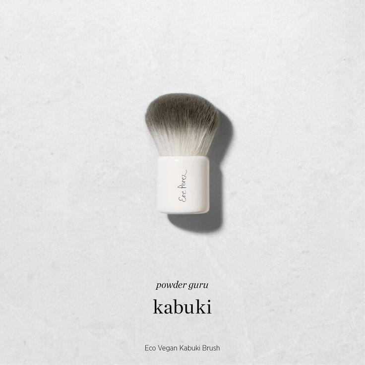Brocha Kabuki para polvo facial de Ere Perez  Elaborada con cerdas naturales la Brocha #Kabuki es pequeña y ancha, perfecta para lograr una aplicación uniforme de polvo sobre el rostro.   Envíamos a todo México y Estados Unidos 📦 ☺    #brocha #eco #vegana #ErePerez #maquillaje #natural #enviosnacionales #envíos #shipping #usa