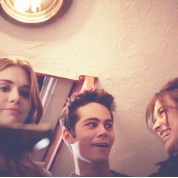 Holland Roden (Lydia Martin) , Dylan O'Brien (Stiles Stilinski) , & Crystal Reed (Allison Argent) - Teen Wolf