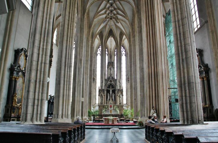 http://guias-viajar.com/chequia/ Iglesia gótica de Santiago en Brno