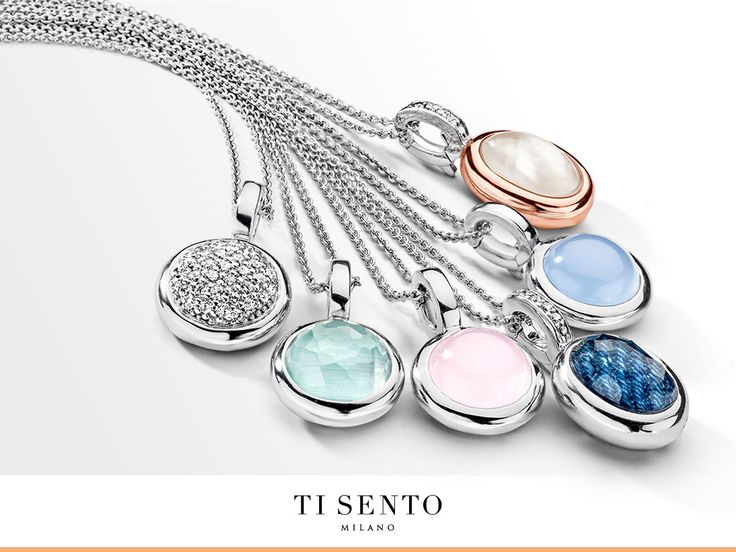 These small pendants that can be worn every day and are a perfect addition to your outfit!