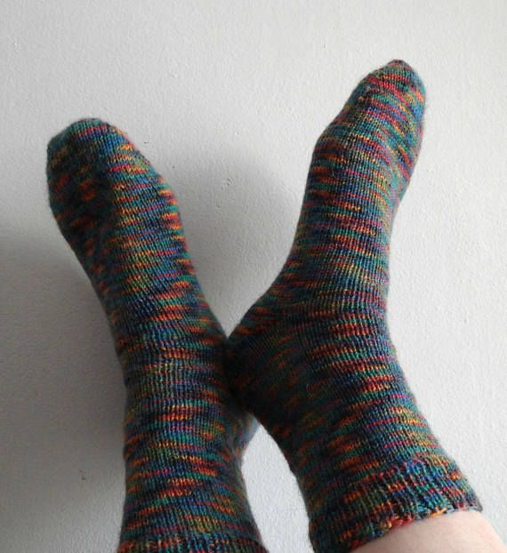 Calcetines medias básicos tejidos a dos agujas de punto 75 % lana 25 nylon / hand knitted socks