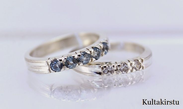 Hopeiset rivisormukset cubic zirkonioilla - Silver rowrings with cubic zirkonias