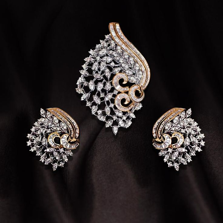 Royale Affaire Exclusives - Diamond Pendant set Call us NOW for Diamond Jewelry, Designer Jewelry, Bridal and Semi - Bridal Jewelry on 0124 4200 0518 or walk in our showroom in Gold Souk Mall,Gurgaon