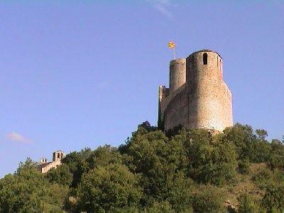 Castell de Mur romanic #romanesqueart in Catalonia  #pallarsjussa #cataloniaromanesque