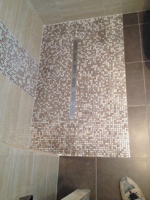 Piatto doccia a pavimento in mosaico ristrutturazioni by edilgrippa pinterest inspiration - Mosaico pavimento bagno ...