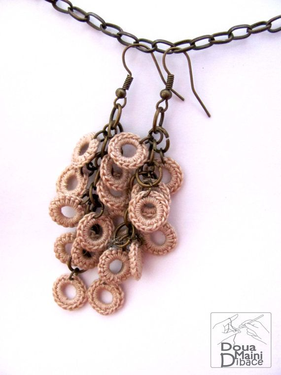 Handmade natural cream beije cotton crochet earrings,bridal, wedding, circles, bronze, chain, fiber jewelry, bohemian, earth, romantic