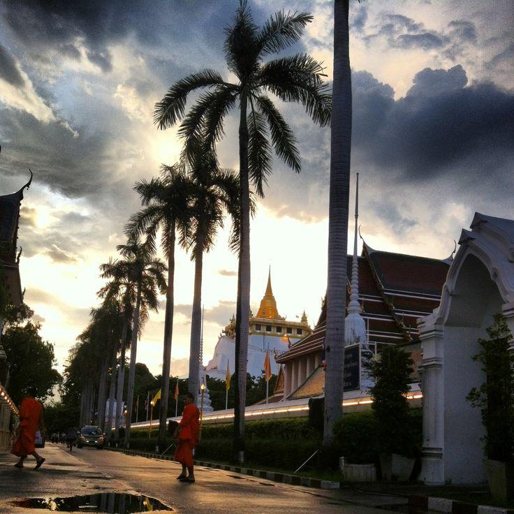 #Bangkok, on the way to the golden mountain