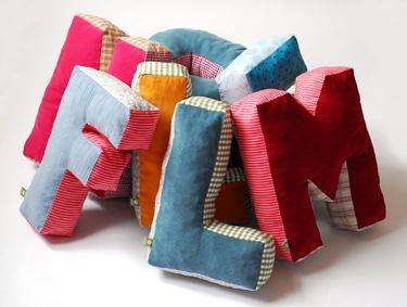 Letter Pillows. (maii-berlin, DaWanda)