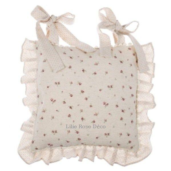 cheap housse galette de chaise semis rose volants blanc mariclo with lilie rose deco. Black Bedroom Furniture Sets. Home Design Ideas