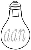Het woordje aan - De lampenkap kunnen de leerlingen eventueel zelf maken van papier