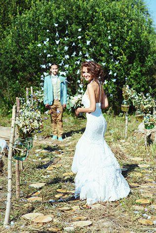 Деревенская свадьба в стиле рустик, встреча жениха и невесты