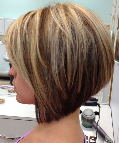 Short Layered Bob Hairstyles with Blonde Highlights for Women to Get People's Attention