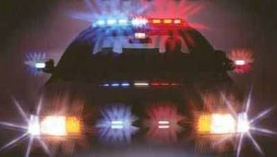 Drivers in Nevada have certain duties when approaching a stopped emergency vehicle making use of flashing lights. These apply to all types of emergency vehicles including tow trucks. (NRS 484B.607) http://www.davisnvlaw.com